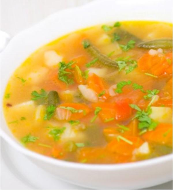 Receta caldo de verduras Delikatetxe